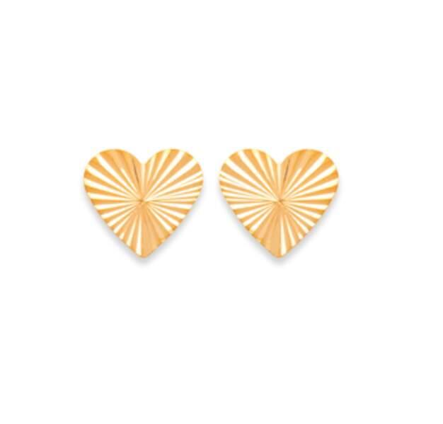 Boucles d'oreilles clous en formes de coeurs, Waekura, 16 euros