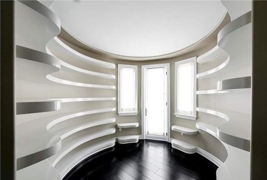 Visitez la superbe villa que Kylie Jenner met en vente : voici le dressing