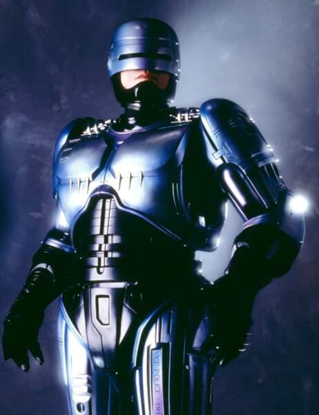Robocop dans les deux premiers volets est...