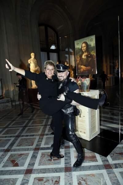 Soirée Louis Vuitton x Jeff Koons au Louvre : grosse éclate pour Peter Marino et Gloria von Schönburg-Glauchau