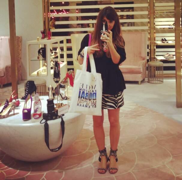 Je m'immortalise avant de faire une razzia de chaussures dans le Shoe Level du Dubaï Mall