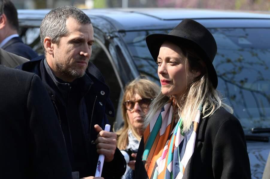 Guillaume Canet et Marion Cotillard aux obsèques d'Agnès Varda au cimetière du Montparnasse
