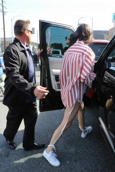 """Kendall Jenner : c'est ce qu'on appelle un jean """"couture"""" #lol"""