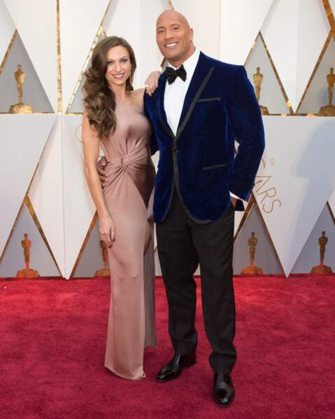 """Les plus beaux couples des Oscars 2017 : Dwayne """"The Rock"""" Johnson et Lauren Hashian"""