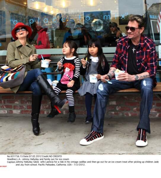 2012 : Laeticia et Johnny Hallyday à Los Angeles avec leurs filles Joy et Jade