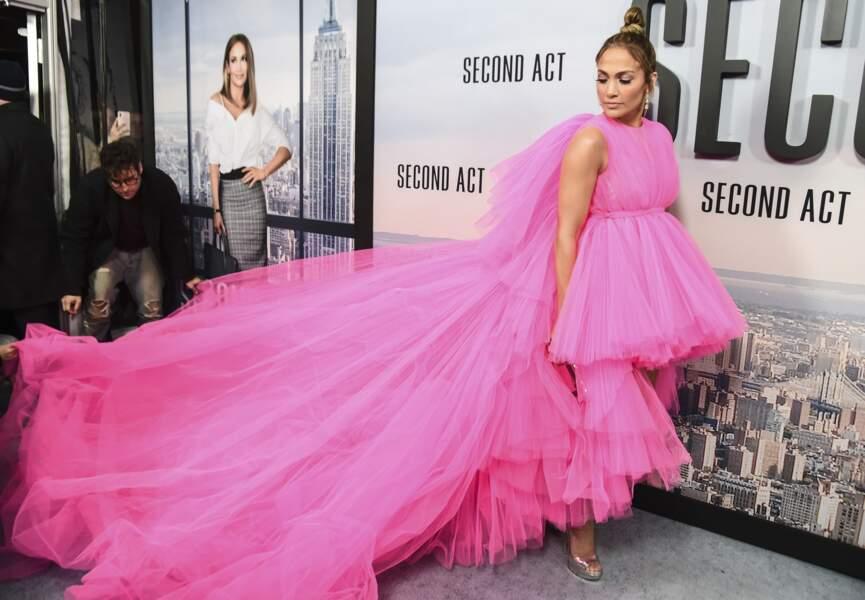 Do - Jennifer Lopez et son allure de poupée