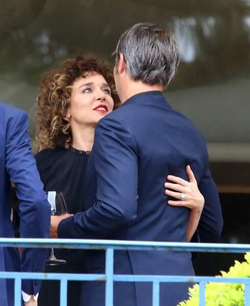 Cannes 2016: Valeria Golino et Mads Mikkelsen TRÈS TRÈS proches.
