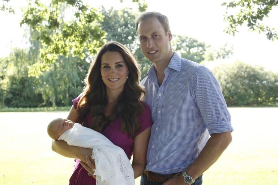 Anniversaire du Prince George - Première photo officielle à trois pour Kate, William et George