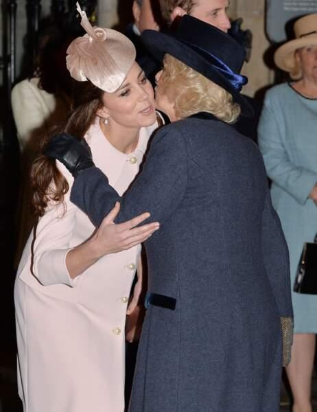 Le bisou à belle-maman Camilla