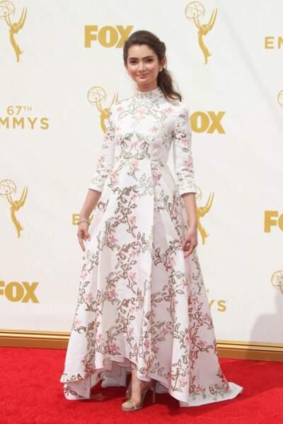 "Emily Robinson a choisi sa robe au rayons ""rideaux"""