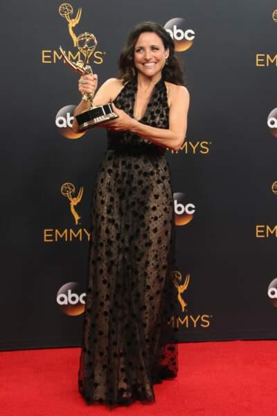 Emmy Awards 2016 : Julia Louis-Dreyfus en Carolina Herrera