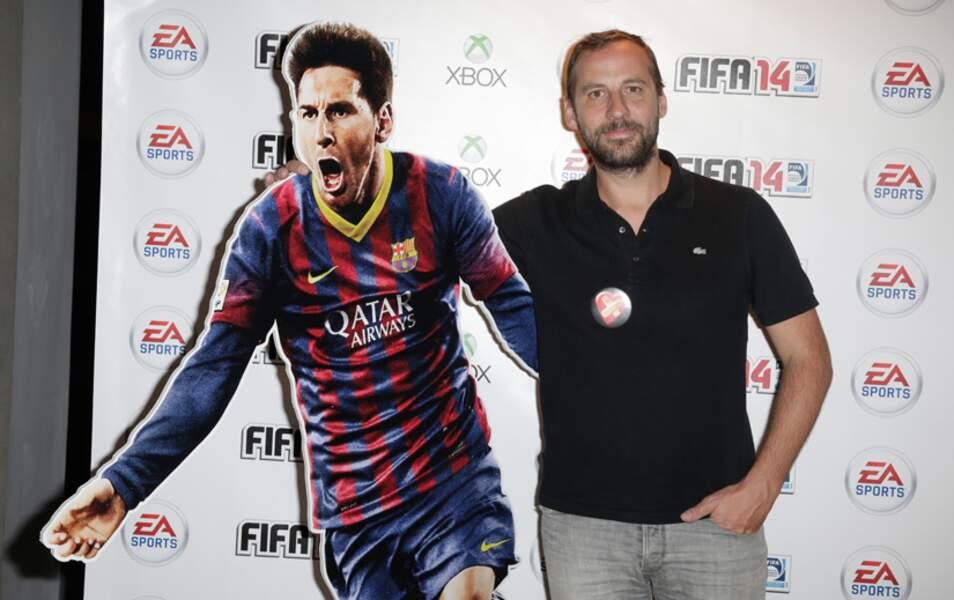Fred est venu avec Léo Messi, à défaut de poser avec Omar
