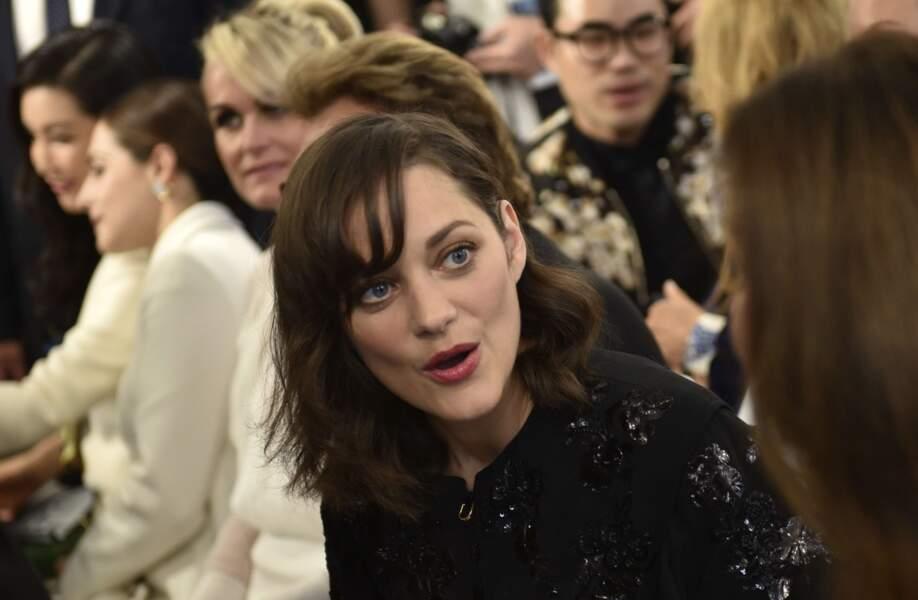 Défilé Christian Dior haute couture 2016-2017 : Marion Cotillard a retrouvé plein de copains au défilé