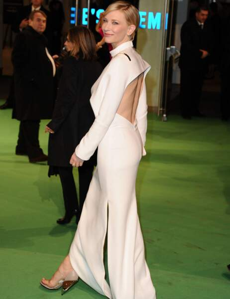 Cate Blanchett vue de profil
