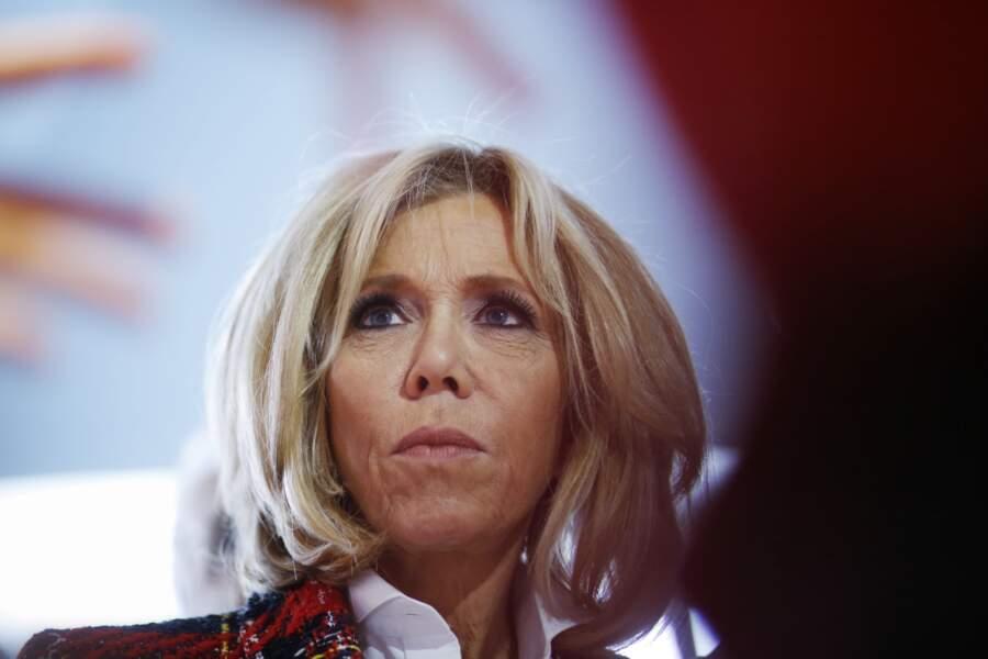 Brigitte Macron en visite dans un hôpital pour la journée mondiale de lutte contre le sida