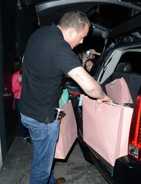 Rihanna fait du shopping sur Rodeo Drive