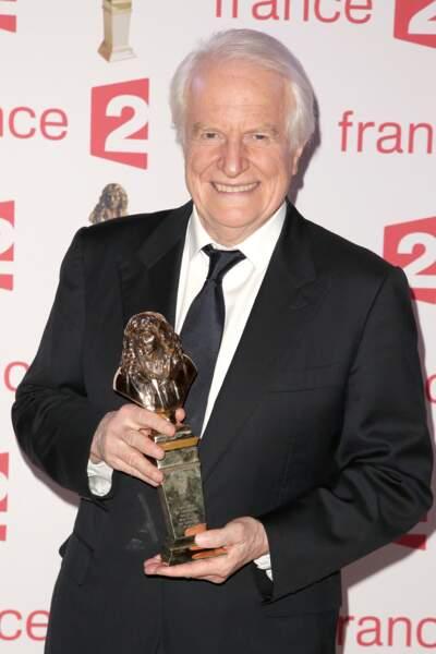 André Dussollier avec sa statuette