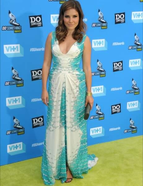Sophia Bush n'aurait pas dû y croire. Ni en son histoire avec les Frères Scott, ni en cette robe.
