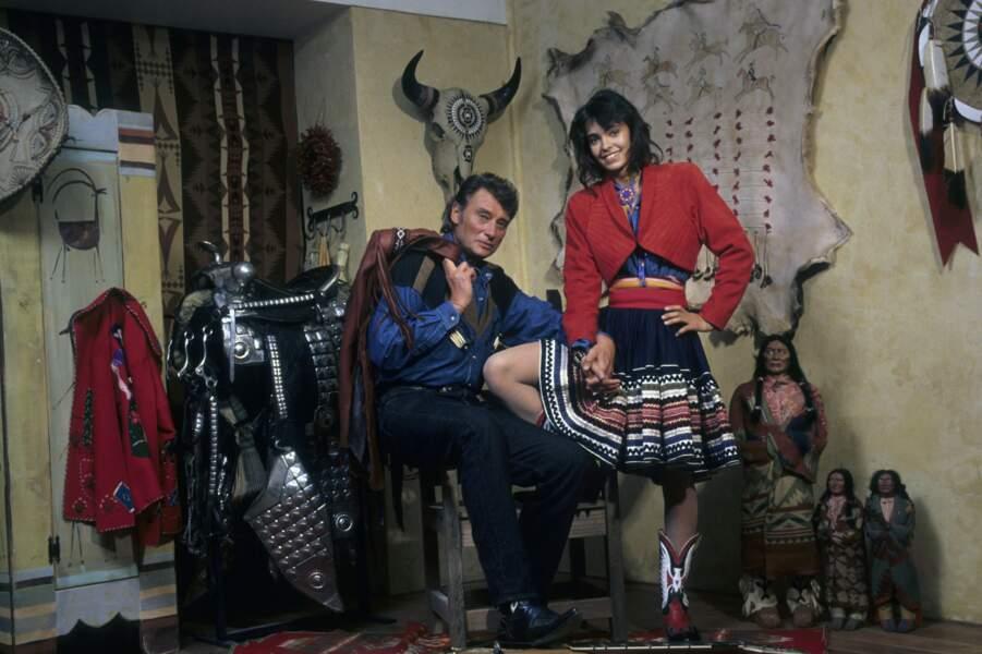 1989 : Johnny Hallyday et Adeline Blondieau posent pour une séance photo