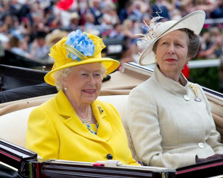 Royal Ascot : la reine Elizabeth II et la princesse Anne