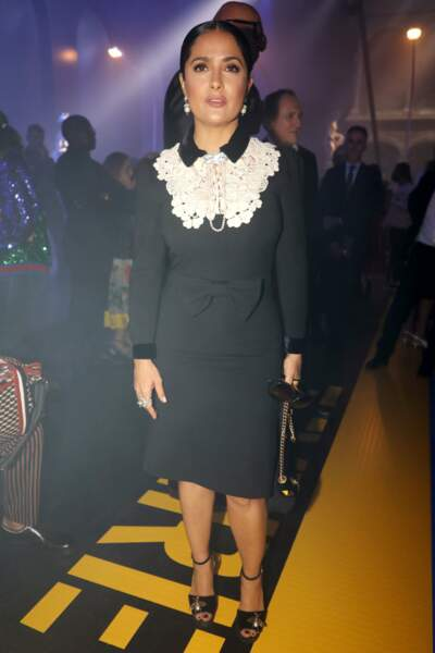 Salma Hayek a misé sur une robe noire et tout aussi classe