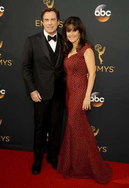 Emmy Awards 2016 : John Travolta et sa femme Kelly Preston