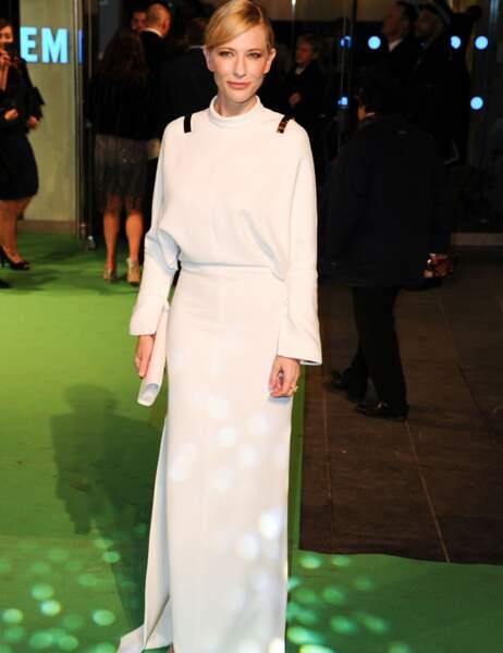 Cate Blanchett vue de face