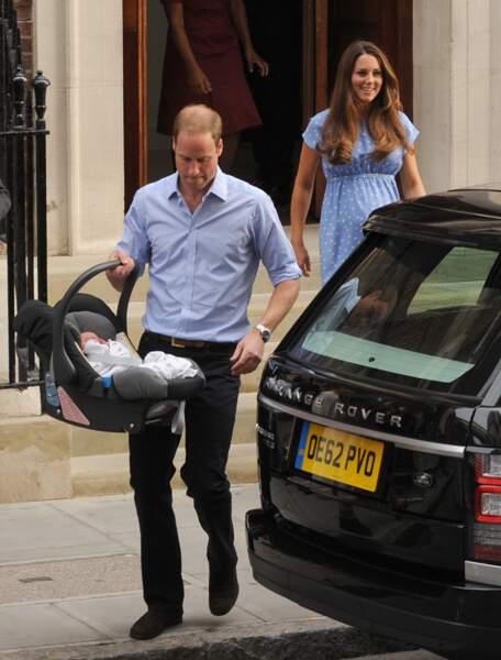 Mais William a installé George dans le Range Rover