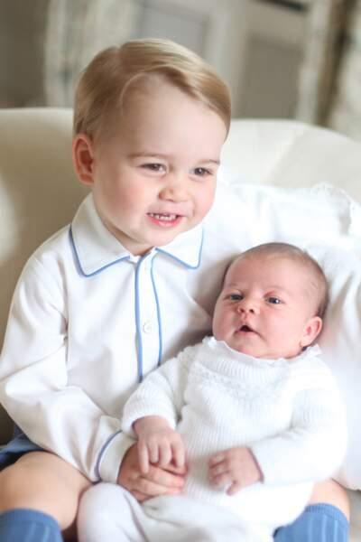 Prince George et sa soeur Charlotte