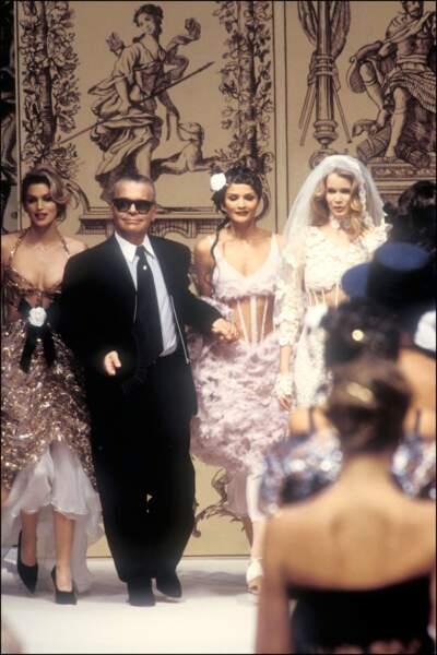 L'évolution physique de Karl Lagerfeld : le créateur en 1992