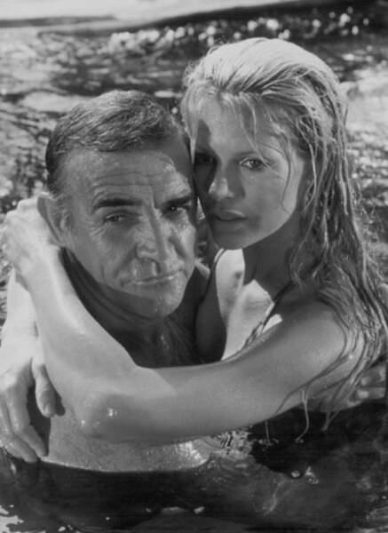 Kim Basinger époque James Bond (1983)