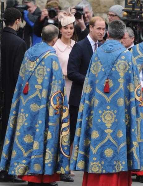 Le couple royal en compagnie des religieux de l'abbaye