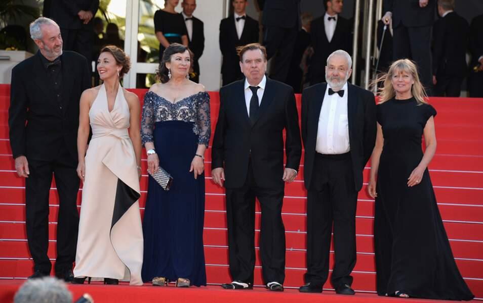 """... qui accueille sur les marches du Palais l'équipe du film """"Mr. Turner"""""""