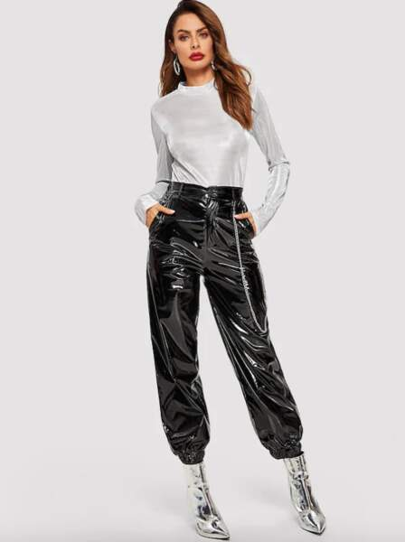 Pantalon en similicuir vernis avec bouton, Shein, 18€