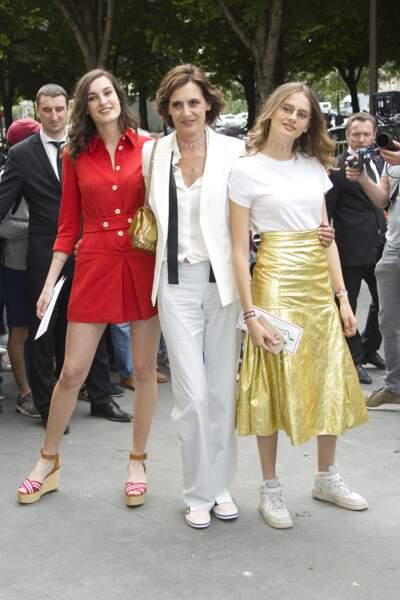 Défilé Chanel Haute Couture : Inès de la Fressange avec ses filles Nine et Violette d'Urso