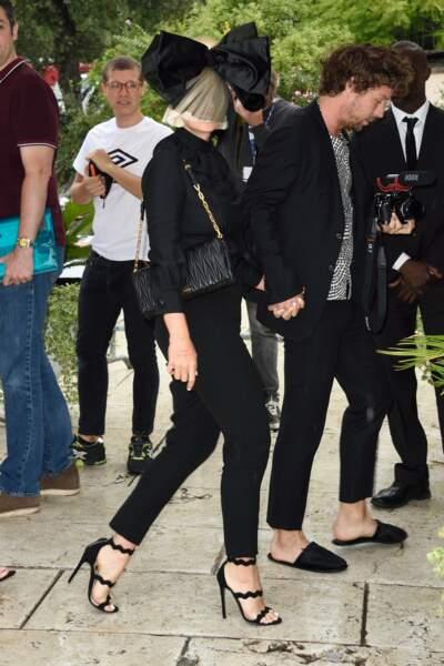 Arrivée de Sia à l'hôtel Excelsior