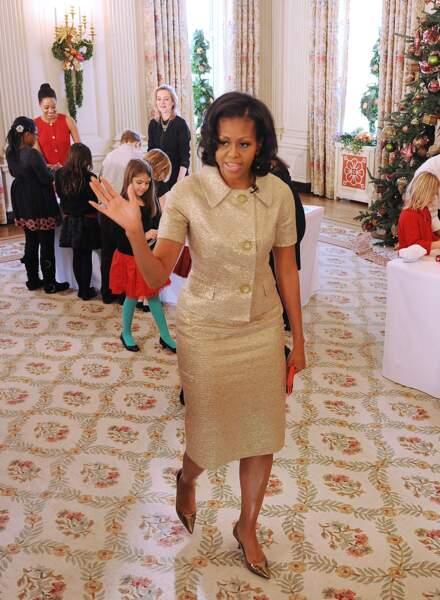 Michelle Obama en tailleur doré à la Jackie Kennedy : mignon