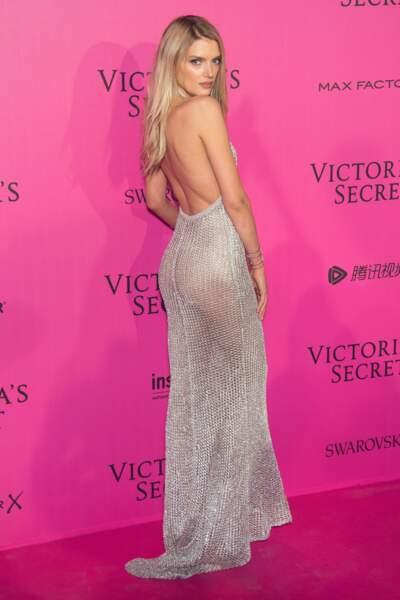 Défilé Victoria's Secret : Lily Donaldson ULTRA sexy en Balmain