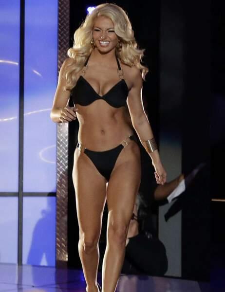 On lui conseille de se présenter à Miss Body Building ?