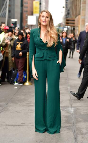 Les do de la semaine : le pantalon large - Blake Lively
