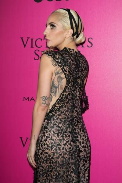 Défilé Victoria's Secret : Lady Gaga de dos