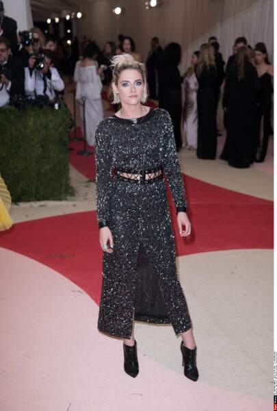 Kristen Stewart, en Chanel est venue sans sa copine Soko