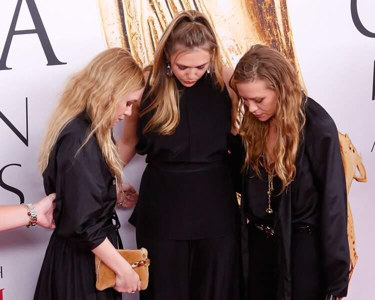 CFDA Fashion Awards : Les sœurs Halliwell de la série Charmed qui s'apprêtent à jeter un sort