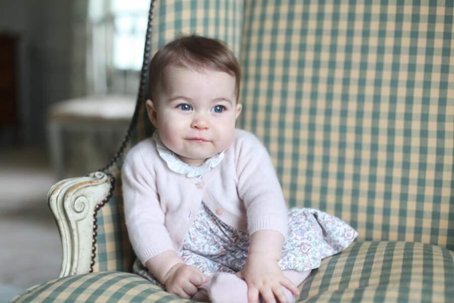 A même pas 1 an, la petite Charlotte avait déjà eu sa séance photo officielle