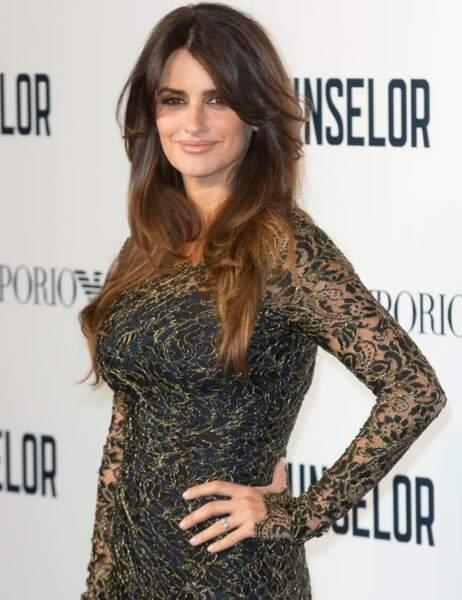 Elle aura pour collègue féminine l'actrice Cameron Diaz
