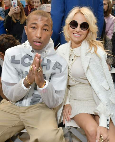 Pharrell Williams et Pamela Anderson au défilé Chanel printemps-été 2019, mardi 2 octobre au Grand Palais