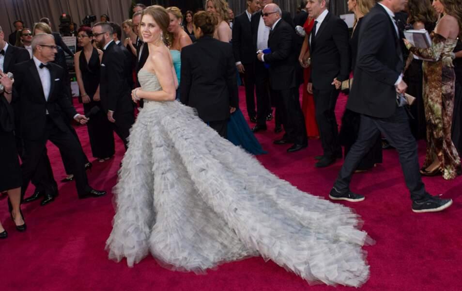 L'actrice Amy Adams et sa robe de princesse signée Oscar de la Renta