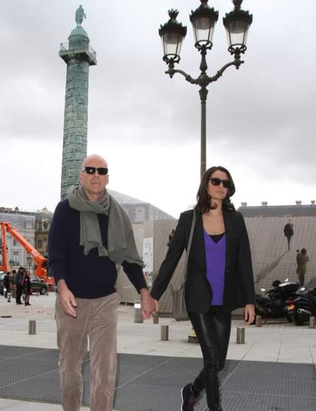 Une belle carte postale près de la colonne Vendôme.