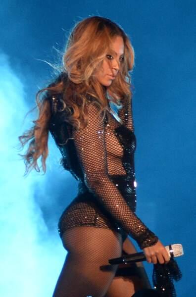 C'est son soutien-gorge que Beyoncé tient à la main ?