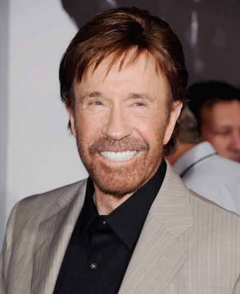 À quoi ressemblent les stars des séries télé des années 90 - Chuck Norris aujourd'hui